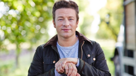 Jamie Oliver to release vegetarian cookbook